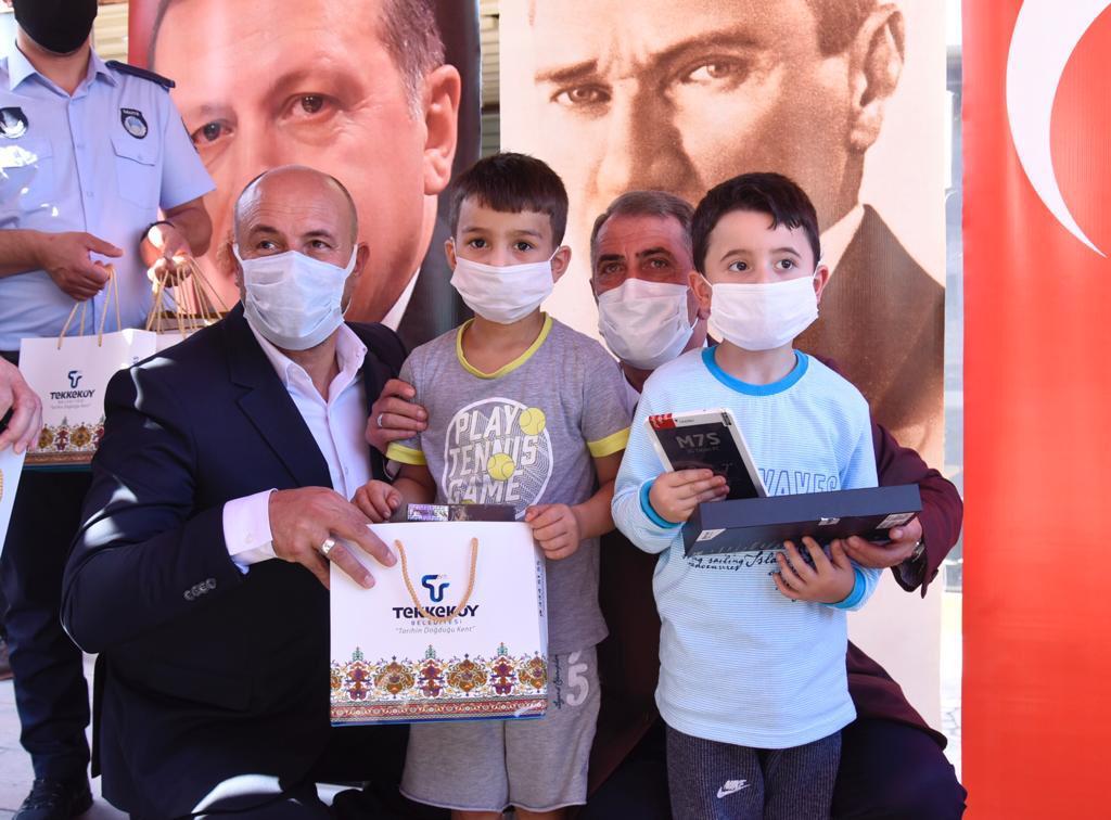 Tekkeköy'de ihtiyaç sahibi tabletsiz öğrenci kalmad